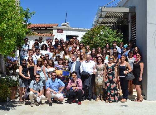 Από τον Πρόεδρο της Ελληνικής Δημοκρατίας  βραβεύτηκαν οι νέοι Έλληνες ομογενείς της πρώην ΕΣΣΔ, στο πλαίσιο του διαγωνισμού για τον Νίκο Καζαντζάκη