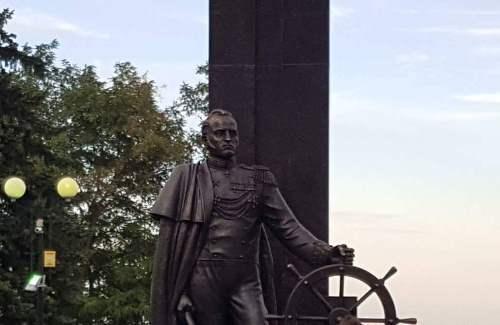 При участии Благотворительного фонда Ивана Саввиди в Азове открыли памятник русским морякам – участникам Наваринского сражения 1827 года за свободу Греции