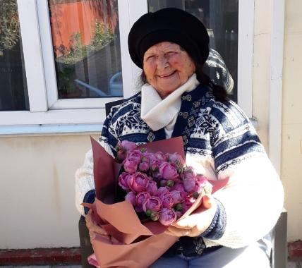 90-летний юбилей отметила учительница из села Мерчанское  Валентина Асланова-Феофаниди