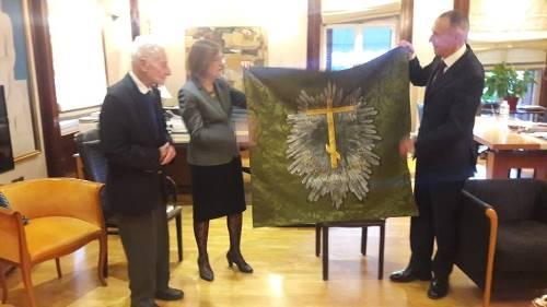 Знамя героев вернулось на родину