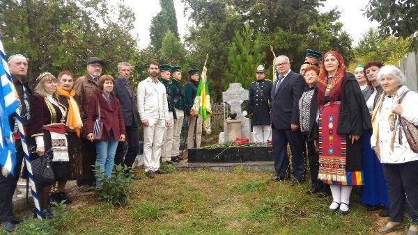 Греки Севастополя почтили памятную дату 165-летия боя в Балаклаве и его героя капитана Стефана Стамати