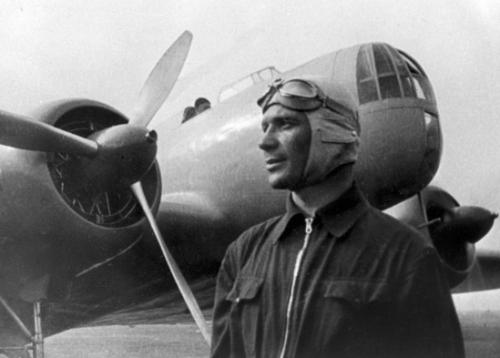 Бюст летчика-испытателя Владимира Коккинаки установят в аэропорту Анапы