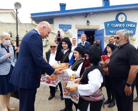 Министр иностранных дел Греческой Республики Никос Дендиас в ходе своего визита в Россию встретился с представителями Федеральной национально-культурной автономии греков России