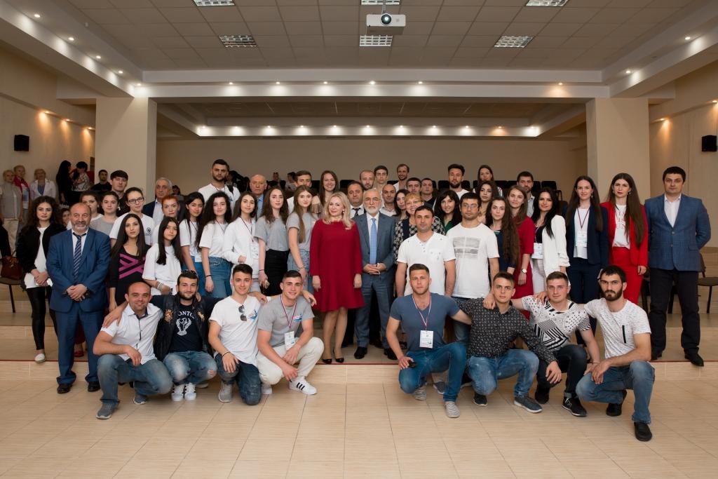 2ο Πανρωσικό Διεθνοτικό Φεστιβάλ Νεολαίας «Φάρος της Κριμαίας 2.0», συζήτηση πάνελ. Ημέρα 2, 30 Απριλίου 2018