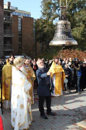 1 ноября 2015 год. Освящение и установка колоколов на звонницу храма