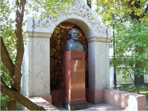 Νεκροταφείο σπουδαίων καλλιτεχνών στη Λαύρα του Αλέξανδρου Νιέφσκι. Επιτάφια στήλη του Αρχίπ Κουίντζι