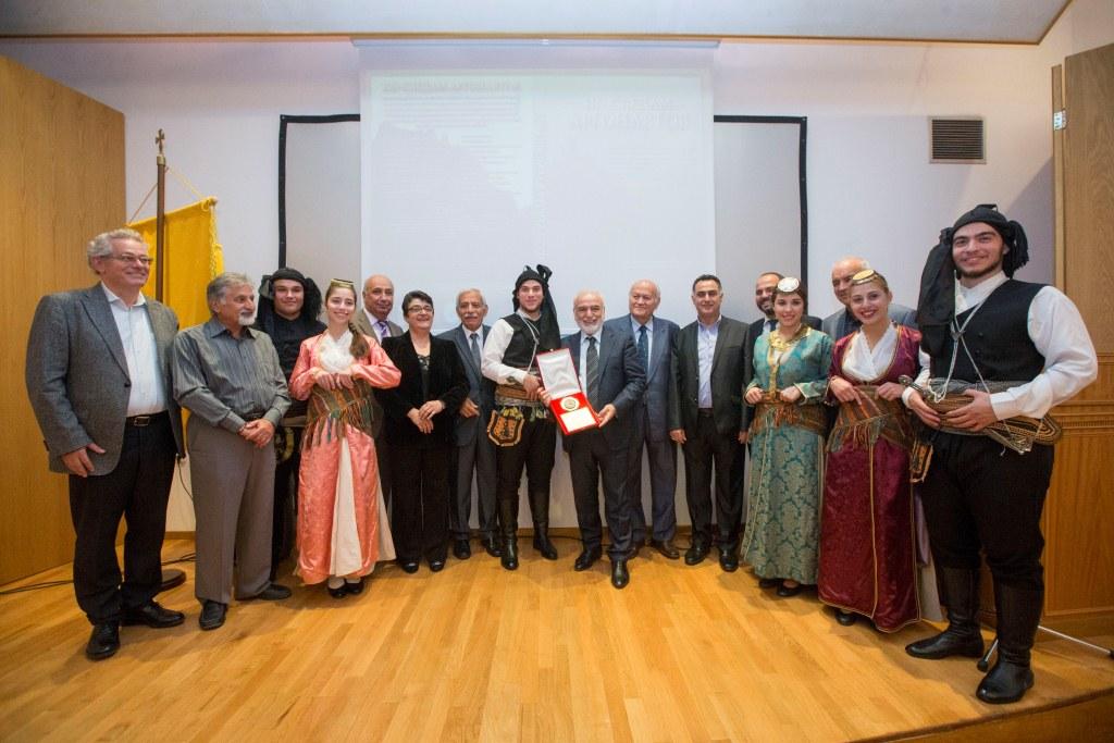 И. Саввиди с членами понтийского общества Святого Георгиоса Перистереота