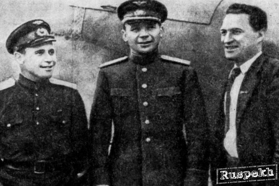 Члены знаменитой авиационной семьи, оставившей заметный след в истории авиации СССР. Валентин, Владимир и Константин Коккинаки