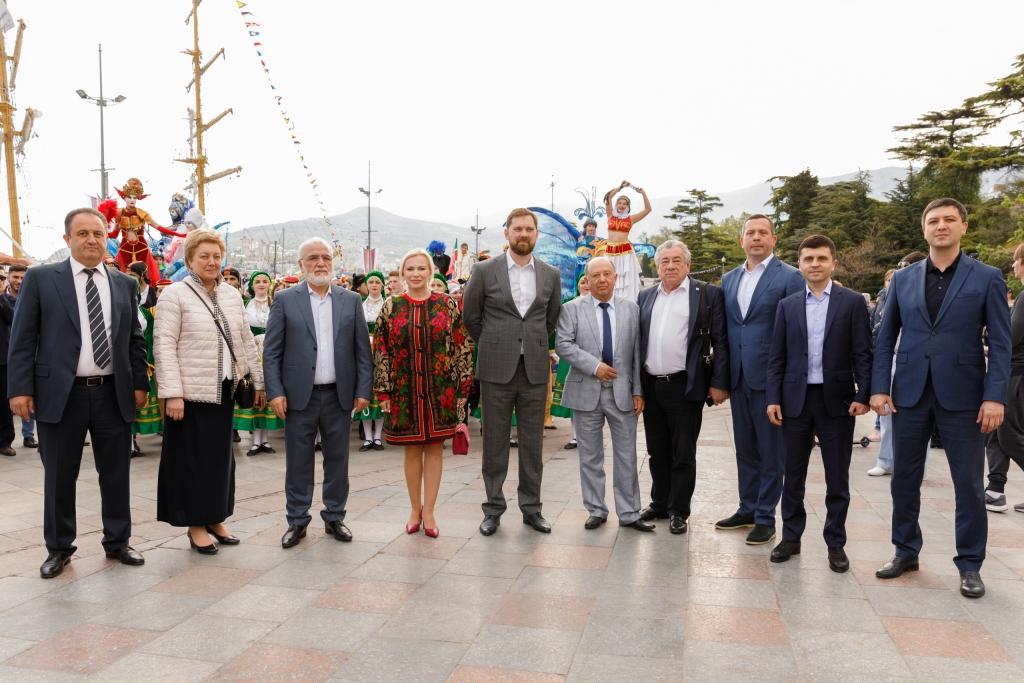 3 мая 2019 год. Ялта. Почетные гости фестиваля